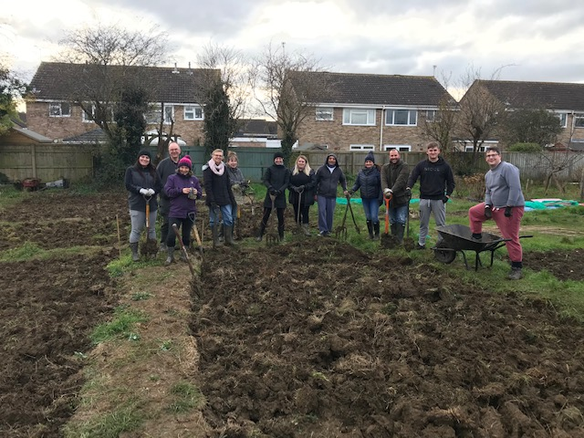 Volunteers from UKRI help Stratton St Margaret Parish Council