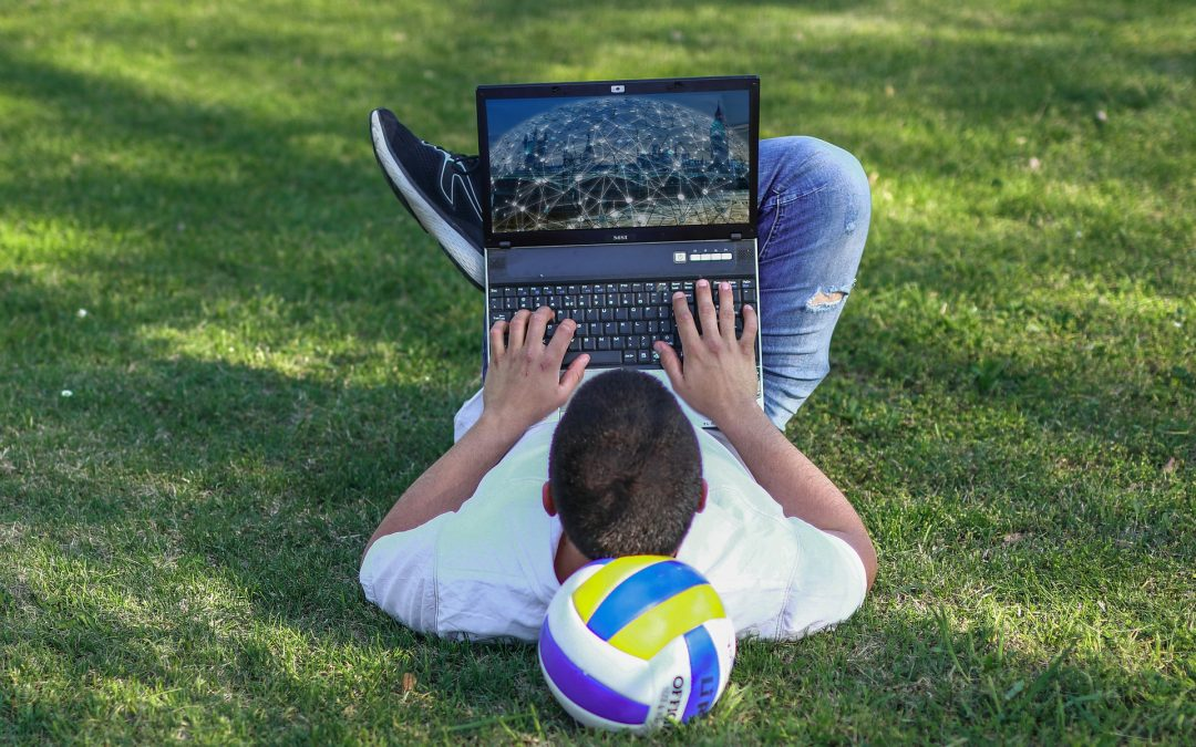 Council delivers hundreds of laptops for vulnerable young people in Swindon